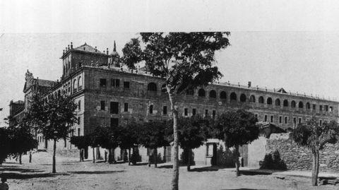 Una imagen del edificio histórico en la primera mitad del siglo pasado