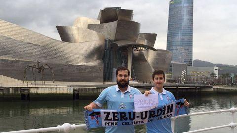 Integrantes de la peña bilbaína Zeru Urdin