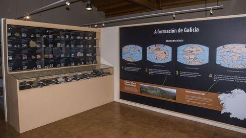 En la entrada del museo se explica de forma sencilla la historia geológica de Galicia, ejemplificada en el plegamiento de Campodola-Leixazós