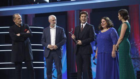El actor y cantante mexicano Diego Boneta recoge el testigo para que los premios Platino viajen a México en 2018