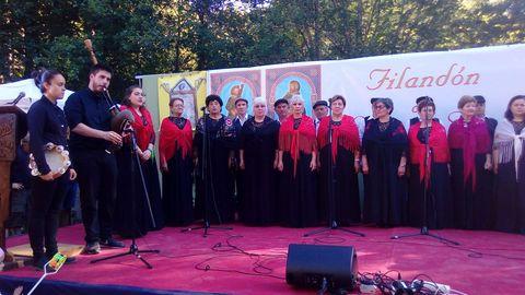 La coral del Casino de Carballiño tomó parte en el festival