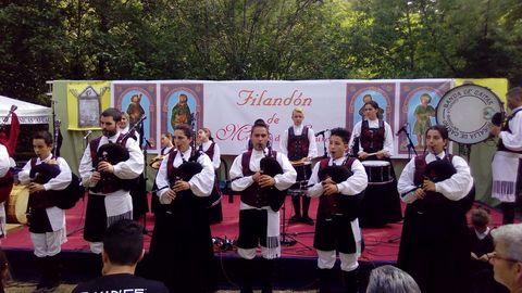 El grupo de gaitas de la localidad barcelonesa de Cornellá fue invitado al festival