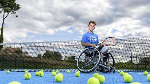 Martín de la Puente, tenis en silla, 18 años. Acaba de llegar a la mayoría de edad, pero ya fue paralímpico en los Juegos de Río. El vigués se proclamó tres veces campeón del mundo júnior, en el 2015, 2016 y 2017, y también se llevó el nacional absoluto en tres ocasiones.