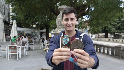 Xoán Ledo, Balonmano, 21 años. El lalinense es el líder de la generación de oro del balonmano nacional. Su maestría bajo palos fue clave en la selección júnior que ganó el Mundial en julio.