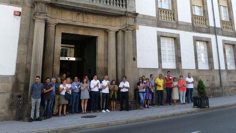 Concentración en la Diputación de Ourense con motivo del atentado terrorista en Barcelona