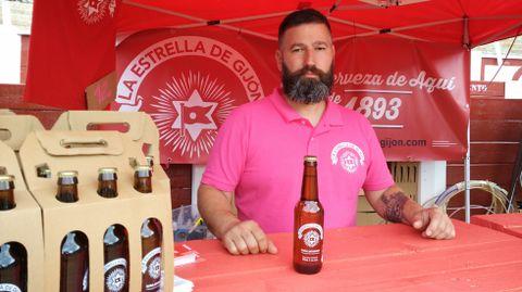 Serxu Solares, organizador del evento, ha recuperado este año La Estrella de Gijón.