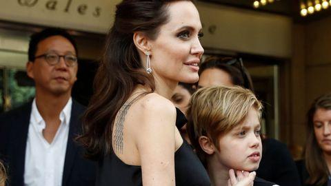Angelina Jolie junto a su hija Shiloh.