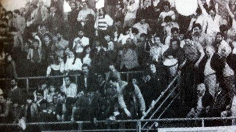 Aficionados obradoirista en Mataro en el que el Obra logro la victoria (86-89) en los últimos minutos.
