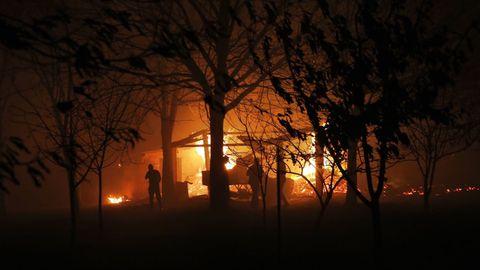 Foto del incendio en Carballeda de Avia