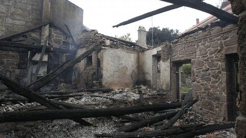 Daños ocasionados por los incendios en As Neves