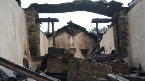 La capilla de Cornollo después del fuego