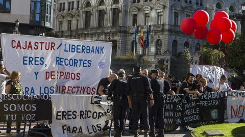 Protesta contra los premios Princesa en 2017