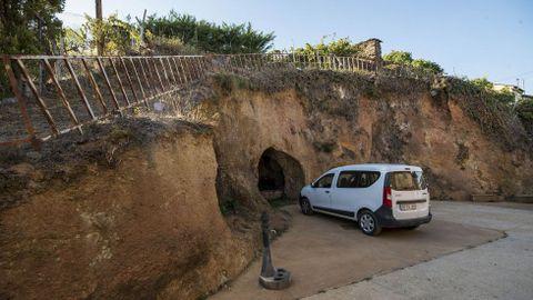 Ruta de Peites. Exterior de la Casa dos Mouros, una antigua mina romana
