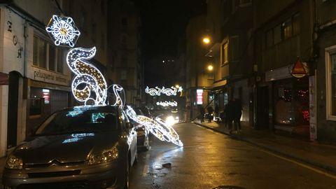Ana arrancó el alumbrado navideño en la coruñesa avenida de Hércules