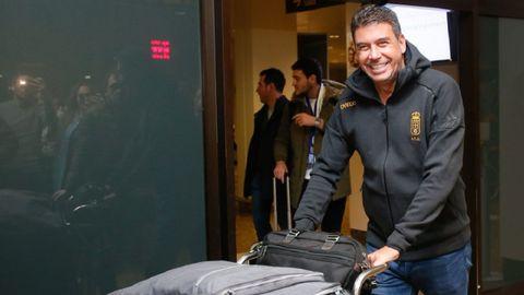Arturo Elías en el aeropuerto de Asturias