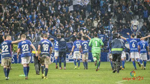 Real Oviedo Sporting Carlos Tartiere derbi.Los futbolistas del Real Oviedo celebran la victoria frente al Sporting