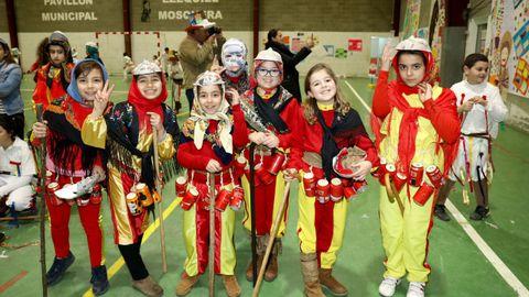 Fiesta sobre los entroidos tradicionales en el colegio de A Ramallosa