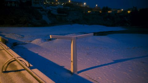 Temporal de nieve en la playa de la Concha, de Suances (Cantabria)