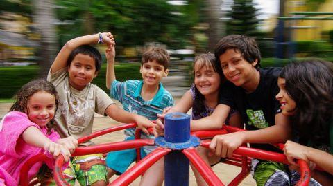 Ofrecer todo tipo de xogos tanto a nenos como a nenas contribúe á igualdade