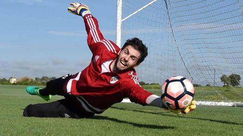 Lux, en una sesión de entrenamiento con River Plate