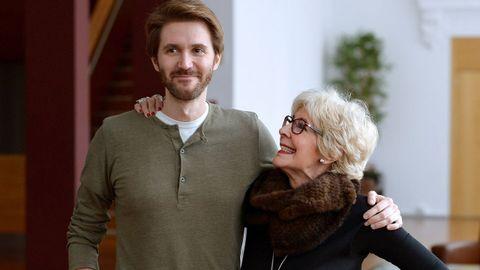 Concha, junto a su hijo Manuel, autor y director de escena
