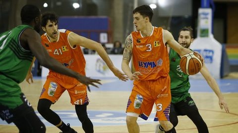 Imagen del partido entre el Leyma y el Cáceres
