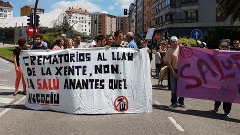 Manifestación de la plataforma contra los hornos crematorios en Pola de Siero.Manifestación de la plataforma contra los hornos crematorios en Pola de Siero