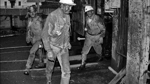 Accidente en el pozo Santa Ba?rbara. Valle de Turo?n. Mieres. Asturias. Diez di?as de rescate. Cuatro mineros muertos. Diciembre (1992)