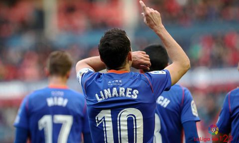 Gol Linares Osasuna Real Oviedo El Sadar.Linares celebra el 0-1 en El Sadar