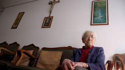 «Tengo 100 años, fui enfermera hasta los 72 y sigo levantándome a las 7 de la mañana»