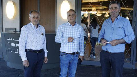 Los tres candidatos, a la izquierda el vencedor, César Dorado