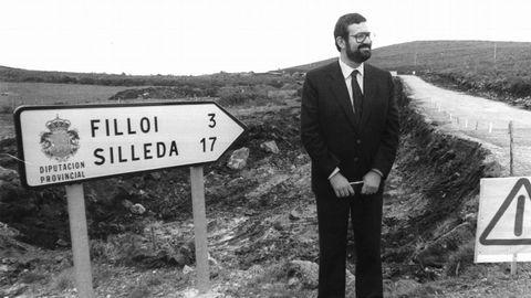 Con 28 años, Mariano Rajoy accede a la presidencia de la Diputación de Pontevedra. Ya había sido dos años diputado autonómico