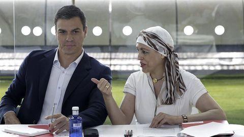 Magdalena Valerio con Pedro Sánchez en una foto de archivo