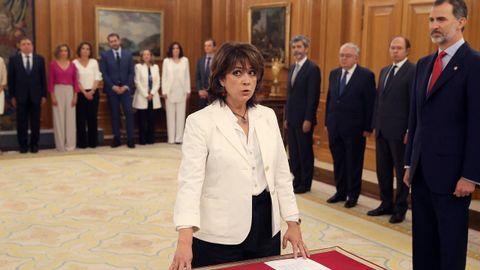 Dolores Delgado ha sido la primera en prometer su cargo como nueva ministra de Justicia