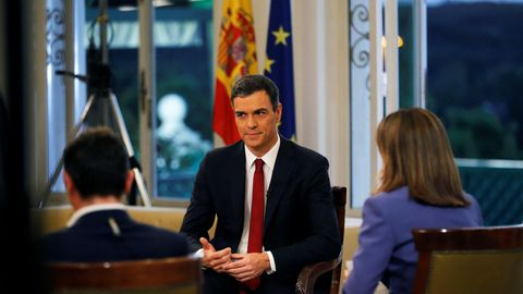 El presidente del Gobierno, Pedro Sánchez, al comienzo de la entrevista que concedió a TVE el 18 de junio