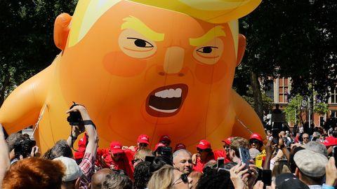Globo gigante con la figura de Donald Trump, botado durante la visita del presidente a Londres