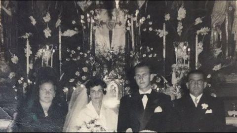 El escudo celeste presidió su boda con su esposa, Carmiña
