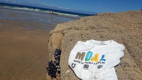 Las camisetas de Moal viajaron todo el verano