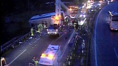 Accidente de un autobús de scouts gijoneses en Pola de Lena, en 2006