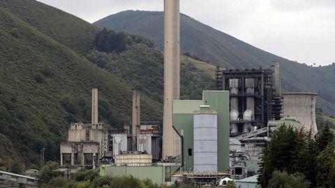Central térmica de Soto de la Barca (Tineo), de la compañía energética Gas Natural Fenosa.