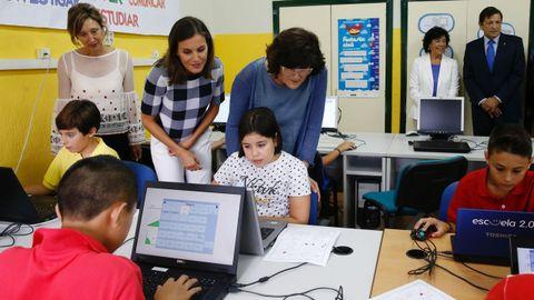 La reina Letizia comparte con los alumnos el inicio del curso escolar en Oviedo