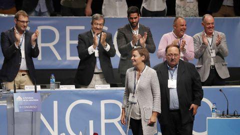 La alcaldesa de Gijón, Carmen Moriyón (c), ha sido elegida hoy presidenta de Foro y cabeza de lista en las elecciones autonómicas de 2019 con 315 votos a favor, 3 en blanco y uno nulo en el III Congreso del partido en Pola de Siero. En su nuevo equipo, compuesto por 30 vocales, figura como vicepresidente, un cargo de nueva creación para realizar una labor de asesoría de la presidenta, el hasta ahora secretario general, Francisco Álvarez Cascos (2i), que será sustituido por el concejal de Laviana Adrián Pumares (1i)
