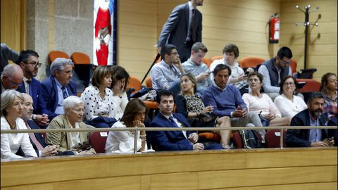 El líder del PSdeG, Gonzalo Caballero, en la tribuna, muy concurrida