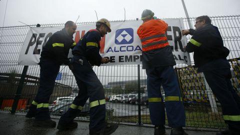 Indignación en la plantilla deAlcoa A Coruña