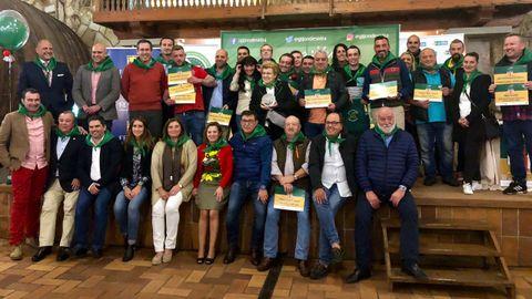 Foto de familia tras la entrega de premios de Gijón de Sidra 2018