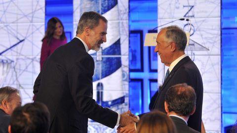 El presidente de la República Portuguesa recibe la cordial felicitación de Felipe VI