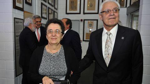 El presidente de la RAG, Víctor Freixanes, con Rosario Álvarez, presidenta del Consello da Cultura Galega.