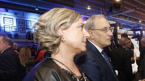 Rosa Vilas, directora adjunta de la TVG, y Alfonso Sánchez Izquierdo, director general de la CRTVG.