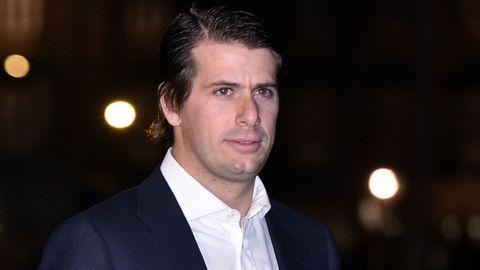 Felipe Cortina. Hijo de Alfonso Cortina y de Miriam Lapique. En el 2012 fundó con Álvaro Gomis la marca de calcetines Jimmy lion.