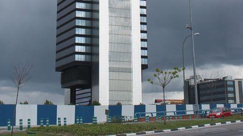 Torre Cepsa, Madrid (España) 490 millones. Su mayor compra en España. Adquirido a Bankia.